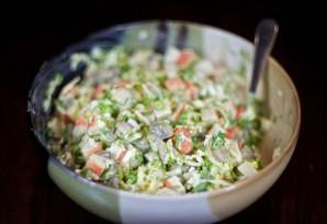 Салат с маринованными грибами - фото шаг 8