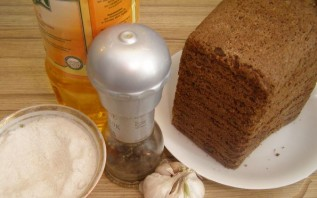 Сухари на сковороде - фото шаг 1