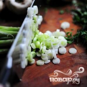 Фаршированные грибы с сыром Бри - фото шаг 3