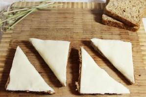Бутерброды с килькой - фото шаг 2