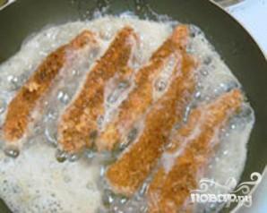 Филе телапии с паприкой в сухарной корочке - фото шаг 5
