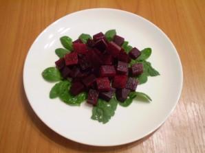Салат из печеной свеклы с брынзой - фото шаг 3