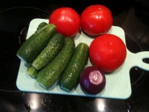 """Салат """"Дачный"""" из свежих овощей - фото шаг 1"""