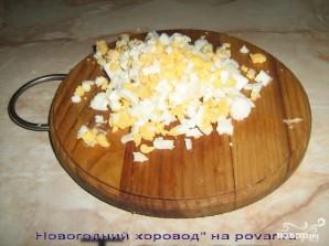 Новогодний салат Курица с ананасом - фото шаг 4