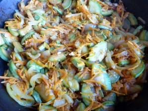 Кабачки с морковью и луком - фото шаг 4
