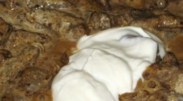 Бефстроганов в сметанном соусе - фото шаг 5