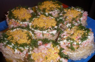 Салат на вафельных коржах - фото шаг 7