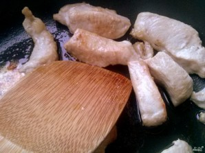 Салат из индейки с вялеными помидорами - фото шаг 2