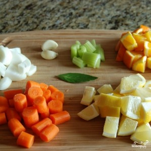 Курица с овощами в цитрусовом соусе - фото шаг 1