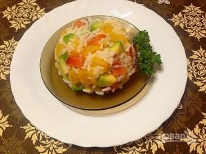 Салат из риса с лососем, авокадо и апельсином - фото шаг 5