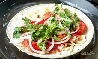 Ролл-пицца с колбасой - фото шаг 4