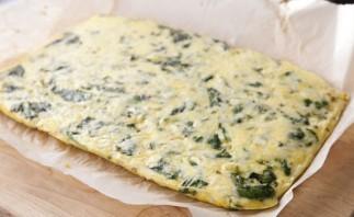Рулет из яйца с сыром - фото шаг 6