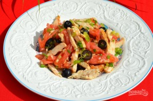 Салат с помидорами и курицей - фото шаг 5