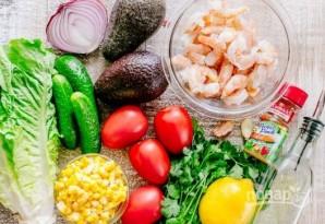 Салат из авокадо с креветками и зеленью - фото шаг 1