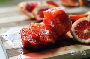 Салат с красным апельсином и луком - фото шаг 2
