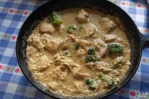 Индейка с брокколи в сливочном соусе - фото шаг 7