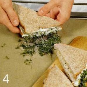 Куриный сандвич с кресс-салатом - фото шаг 4