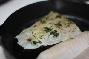 Рыба в сметанном соусе в духовке - фото шаг 3