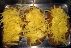 Бутерброды с сыром в духовке - фото шаг 3