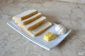 Тосты с чесноком - фото шаг 1