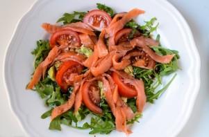 Салат с рукколой и семгой - фото шаг 3