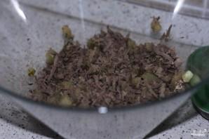 Салат с вареной печенью и солеными огурцами - фото шаг 3