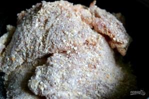 Свинина в панировке на сковороде - фото шаг 4