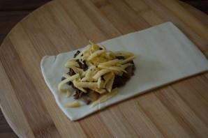 Пирожки с лесными грибами - фото шаг 6
