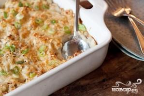 Запеченный картофель с луком, сыром и сметаной - фото шаг 6