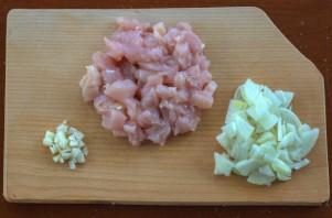 Паста с грибами и курицей в сливочном соусе - фото шаг 1