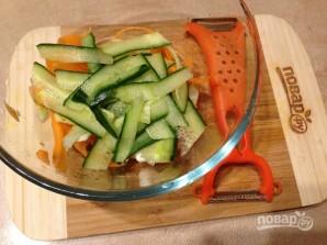 Салат из стеблей брокколи, моркови и огурца - фото шаг 6