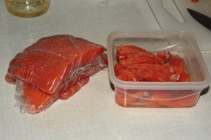 Малосольная красная рыба - фото шаг 4