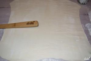 Конвертики из слоеного теста - фото шаг 2