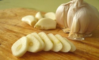 Курица с яблоками в мультиварке - фото шаг 2