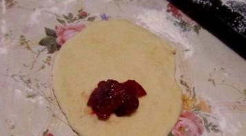 Пирожки с повидлом в духовке - фото шаг 5