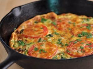 Омлет с брокколи и помидорами - фото шаг 7