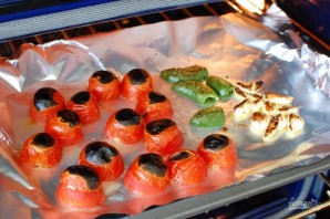 Сальса из запеченных томатов, чеснока и перца - фото шаг 4