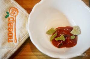 Норвежский салат с лососем на хлебе - фото шаг 3