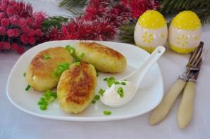 Картофельные котлеты с колбасой - фото шаг 14