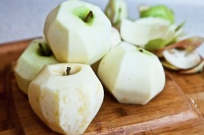 Шарлотка на простокваше с яблоками - фото шаг 2