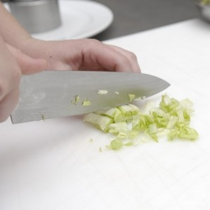 Салат с авокадо и семгой - фото шаг 4