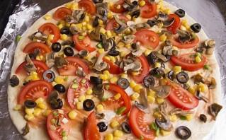 Пицца с маслинами - фото шаг 10
