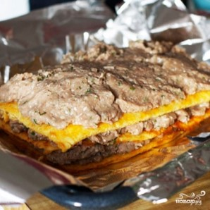 Слоеный сырный пирог с куриным фаршем - фото шаг 8