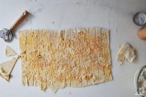 Сырные палочки из слоеного теста - фото шаг 7