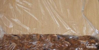 Сладкая колбаска со сгущенкой - фото шаг 5
