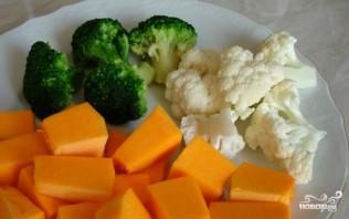 Цветная капуста жареная с овощами - фото шаг 1