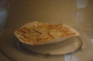 Чипсы из картошки в микроволновке - фото шаг 5