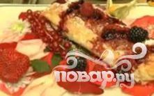 Рулетики с фруктами и ягодами - фото шаг 2