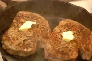 Стейк из телятины на сковороде - фото шаг 3