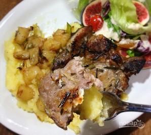 Свинина с яблоками и медом - фото шаг 5